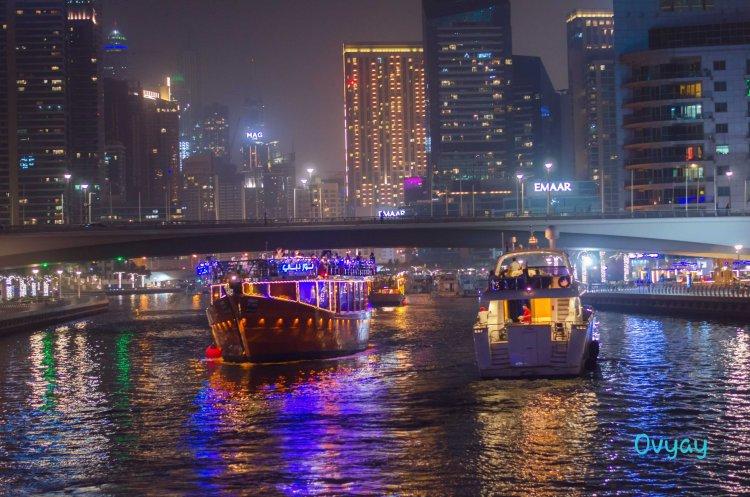 Dubai Marina boats