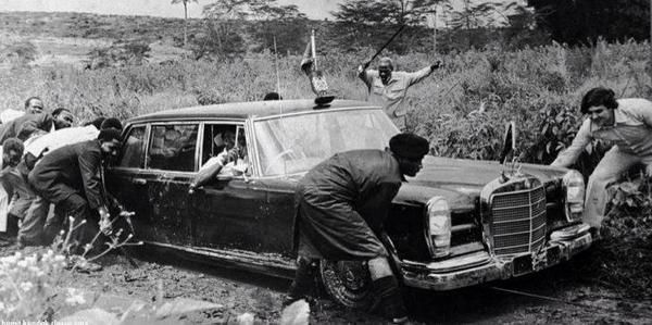 kenyattas-car-stuck-in-tatu