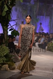 Anamika-Khanna-at-PCJ-Delhi-Couture-Week-2013-16
