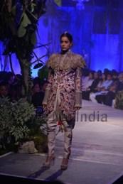 Anamika-Khanna-at-PCJ-Delhi-Couture-Week-2013-26