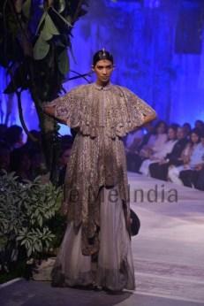 Anamika-Khanna-at-PCJ-Delhi-Couture-Week-2013-27