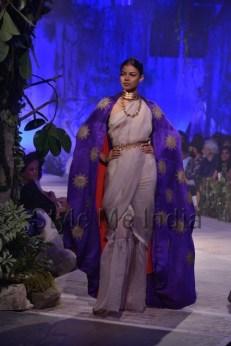 Anamika-Khanna-at-PCJ-Delhi-Couture-Week-2013-37