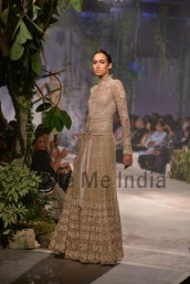 Anamika-Khanna-at-PCJ-Delhi-Couture-Week-2013-4