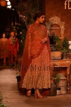 Sabyasachi-at-PCJ-Delhi-Couture-Week-2013-19