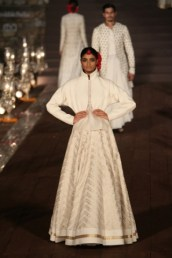 WIFWSS'15D5S5RohitBalRunway095