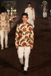 WIFWSS'15D5S5RohitBalRunway156