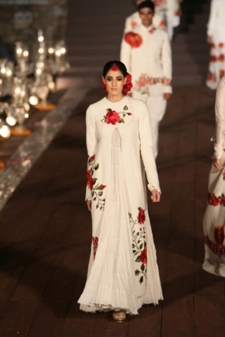 WIFWSS'15D5S5RohitBalRunway236_0