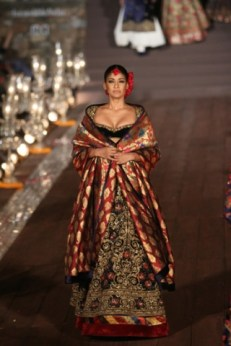 WIFWSS'15D5S5RohitBalRunway298