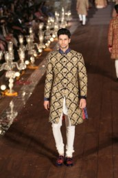 WIFWSS'15D5S5RohitBalRunway306