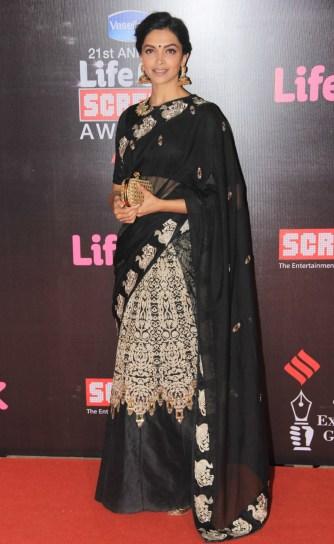 21st-life-ok-screen-awards-deepika-padukone-priyanka-chopra-shahid-kapoor-other-stars-walk-red (2)