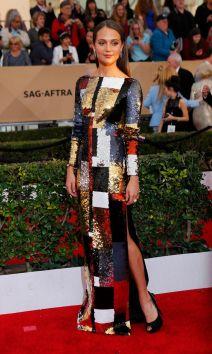 Actress-Alicia-Vikander-arrives-at-the-22nd-Screen-Actors-Guild-Awards