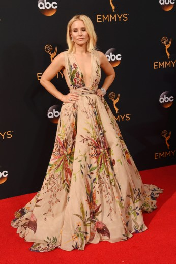 kristen-bell-house-of-lies-2016-emmy-awards-red-carpet-fashion-zuhair-murad-couture-tom-lorenzo-site-4