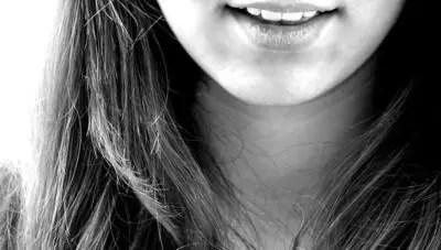 笑い 女性