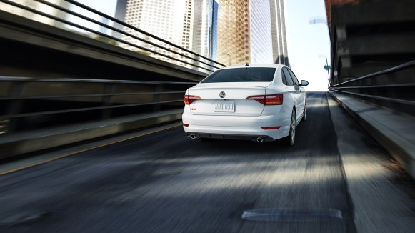 GLI-features-dynamic-chassis-control