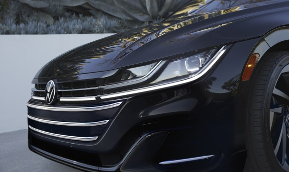 VW_NGW6_Showroom_Arteon_Gallery_Exterior-1