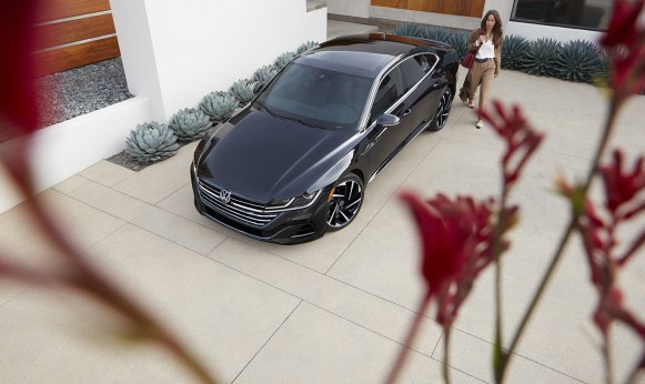 VW_NGW6_Showroom_Arteon_Gallery_Exterior-11