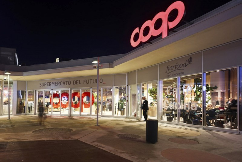 designed-by-mit-and-built-by-italian-grocery-giant-coop-the-first-supermarket-of-the-future-recently-opened-in-milan-1