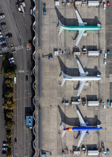 mike-kelley-airport-photography-3