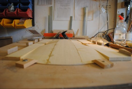 Glueing on the outer staves