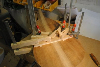 Glueing on the sound post plate