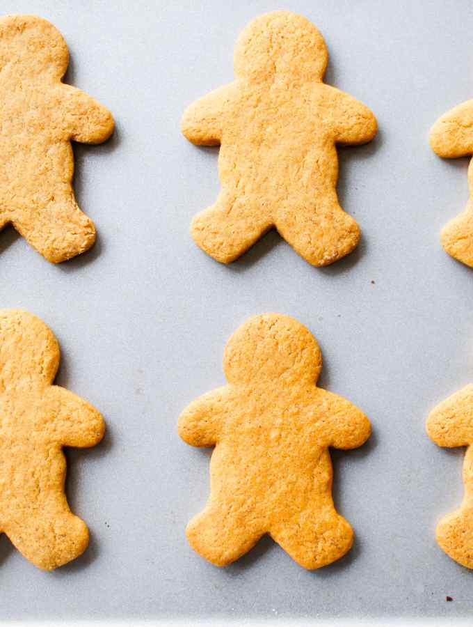 Chewy, easy to make gingerbread cookies