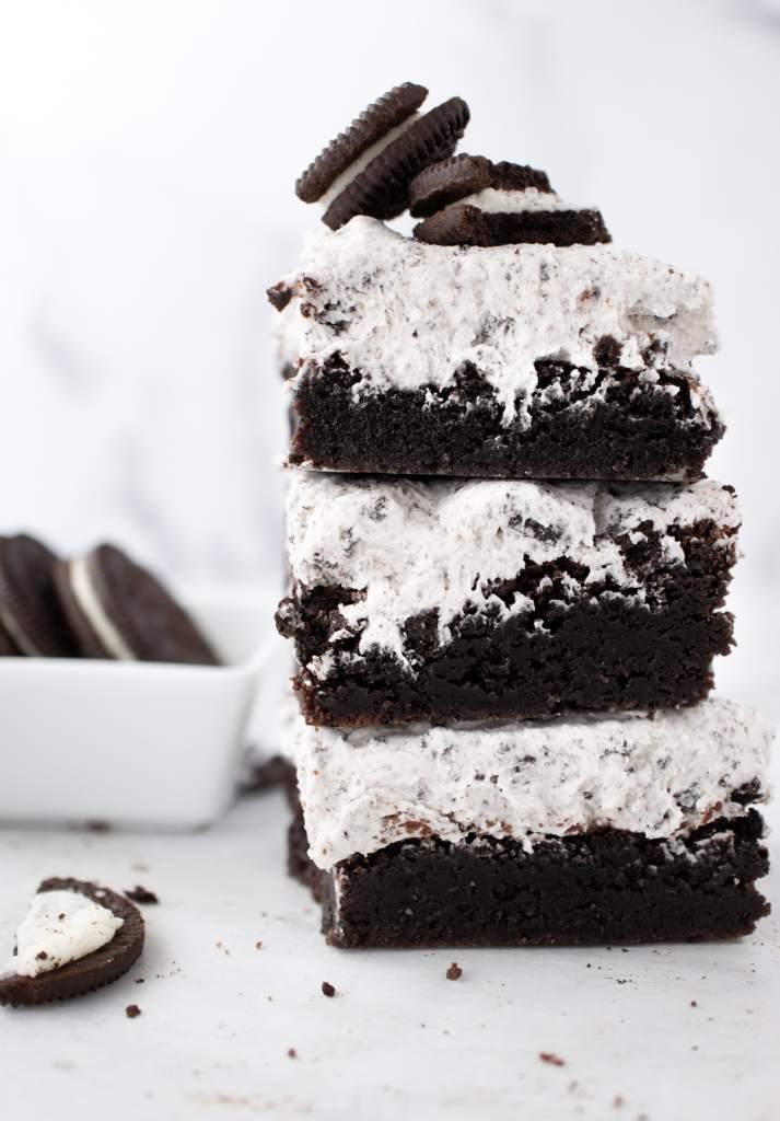 Oreo Brownies, Cookies and Cream Browniesstacked