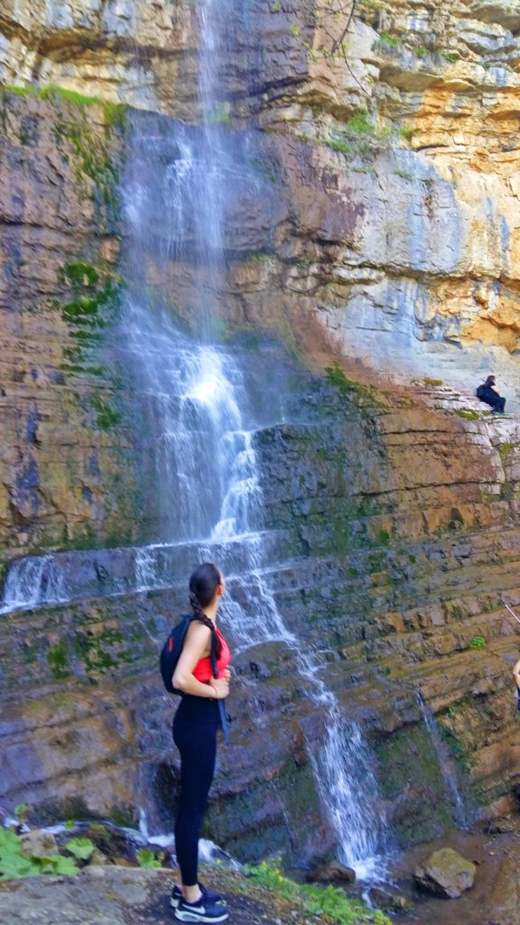 day-hikes-near-sofia-skaklya-waterfall