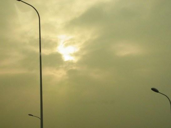 中国で見た空。光化学スモッグ