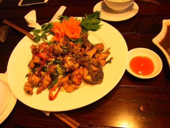 ベトナム:カエルのフライ