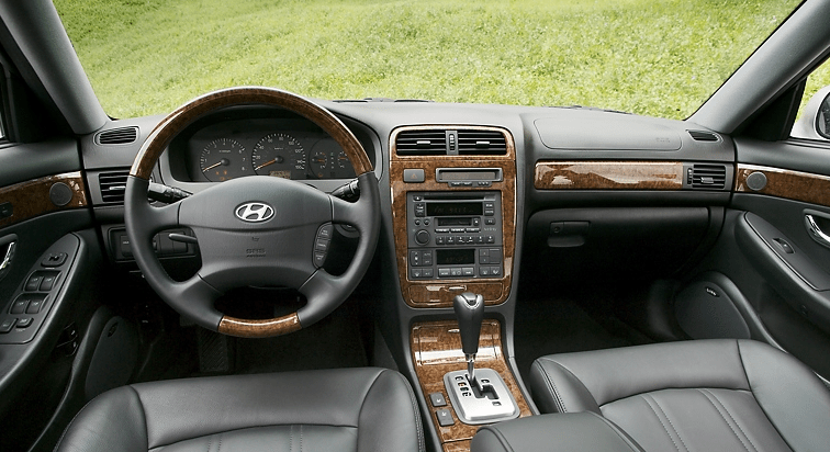 2004 Hyundai XG350 Interior and Redesign