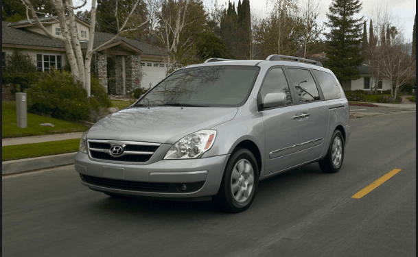 2009 Hyundai Entourage Owners Manual and Concept