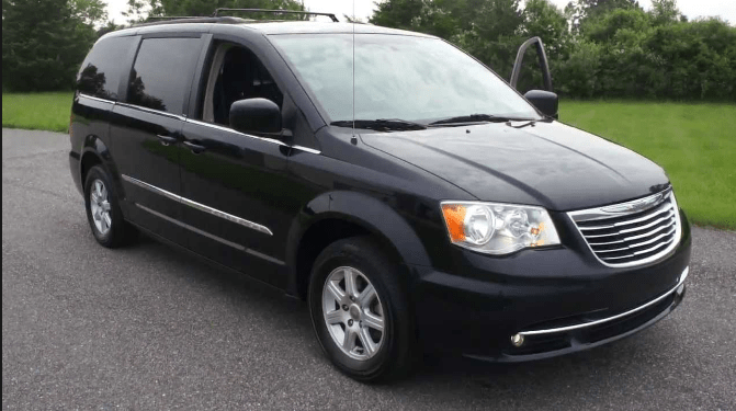 2011 Chrysler Town & Country Owners Manual and Concept