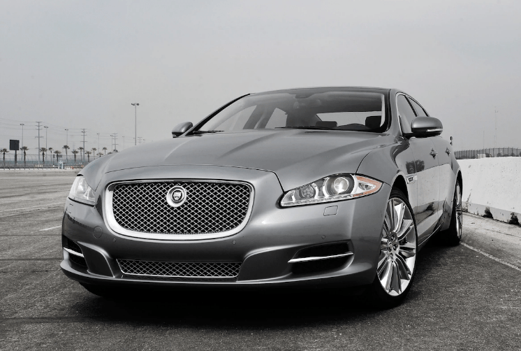 2013 Jaguar XJ Concept and Owners Manual