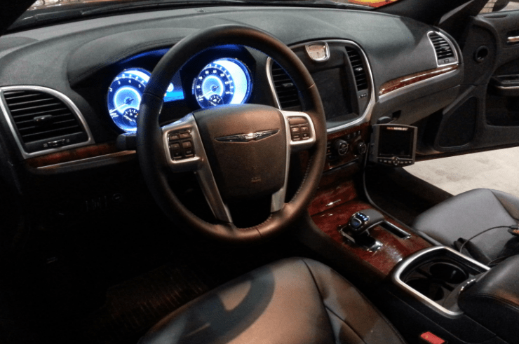 2014 Chrysler 300C Interior and Redesign