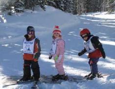 kids skiing wolf creek