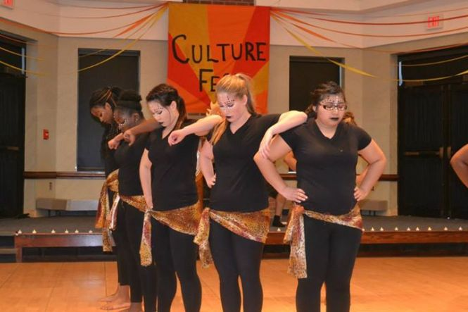 Rafiki Wa Africa members prepare for their dance routine during CultureFest event on March 29.