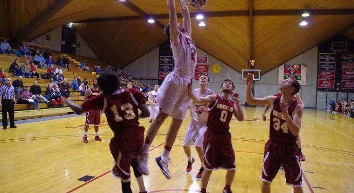 Men's basketball beats Oberlin 83-66
