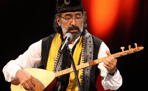 Sufi musician shares his talent