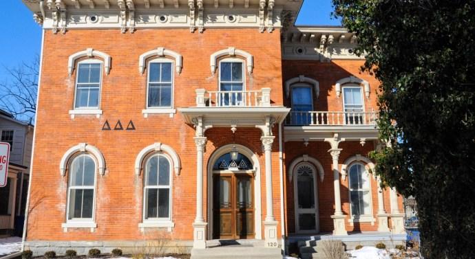 Delta Delta Delta devotes day to philanthrophy