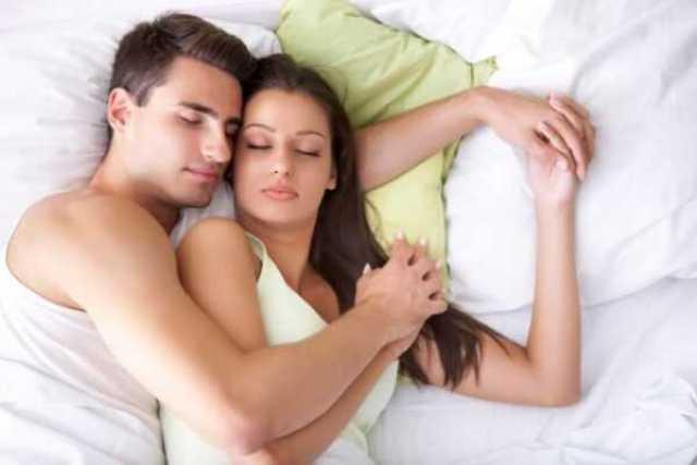 с мужем в постеле