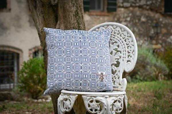 Kaleidoskope white and blue
