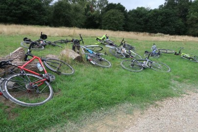 Bikes safely abandoned at the car-free coffee stop