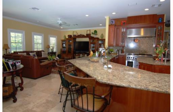 1227 alfonso kitchen2