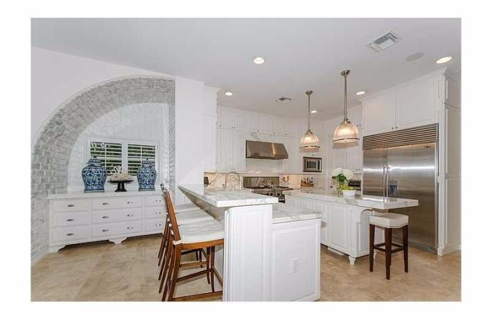 1300 alfonso kitchen
