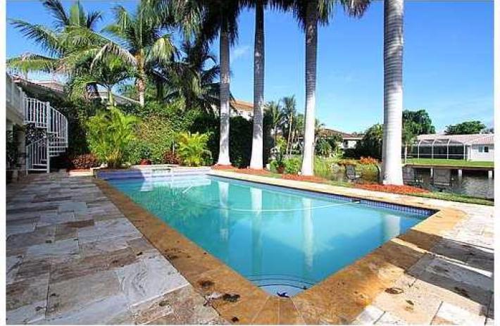 1541 agua pool