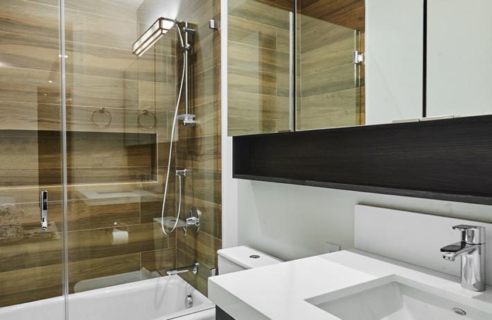 4045 bonita interior bath 02