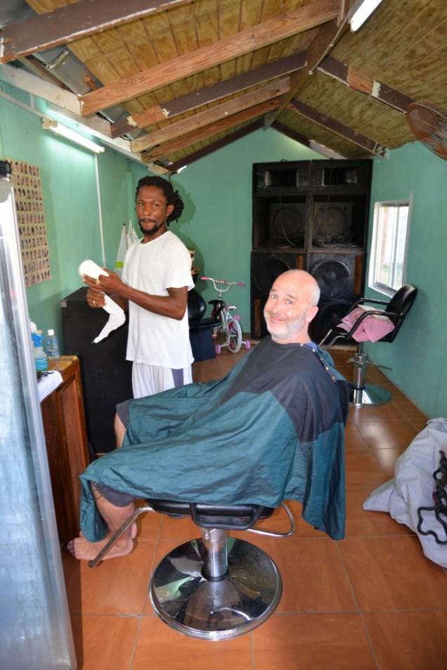 4-fred-chez-le-barbier-de-mayreau