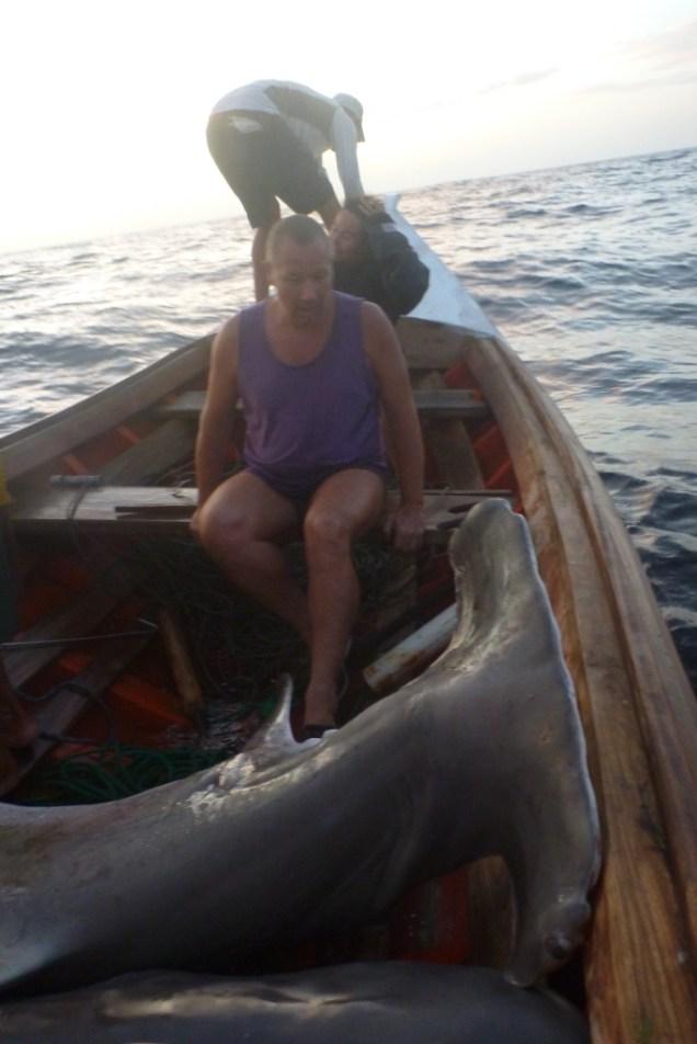 4-peche-aux-requins-avec-les-locaux