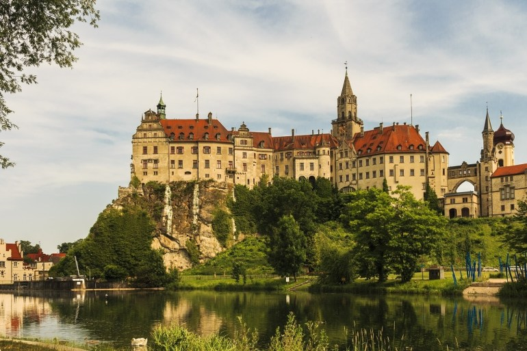 18 Must-See German Castles & Palaces (With Map!) - Bucket List Events for Ludwig Castles Germany Map