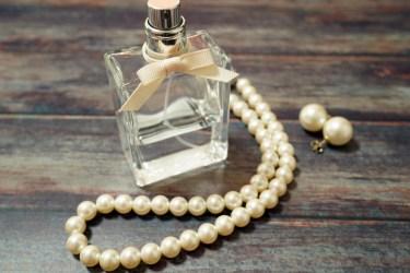 女性が香水をつける心理!香りの強さや種類でわかる女性の心理